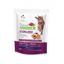 NT Корм сухой для стерилизованных кошек и кастрированных котов с лососем